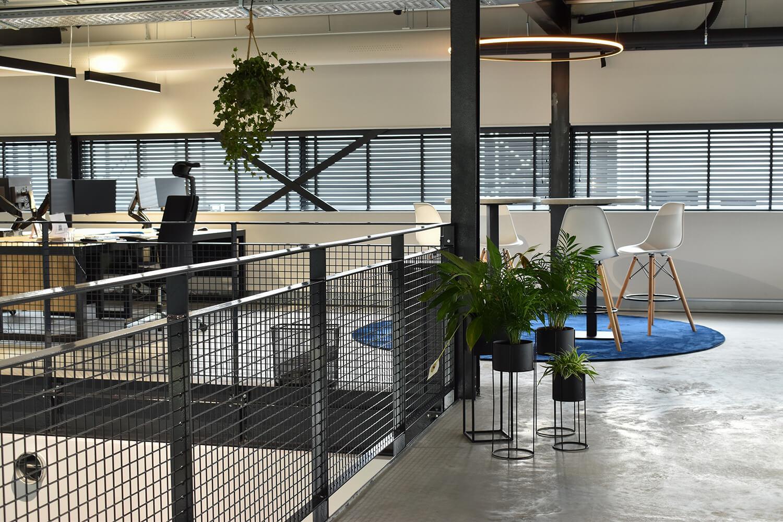 zuiver media houten jaloezieën kantoor