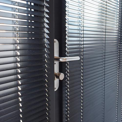 houten jaloezie 25 mm deur