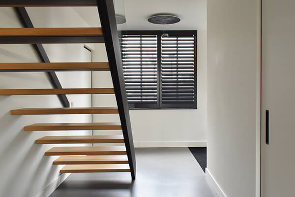 houten shutters hal